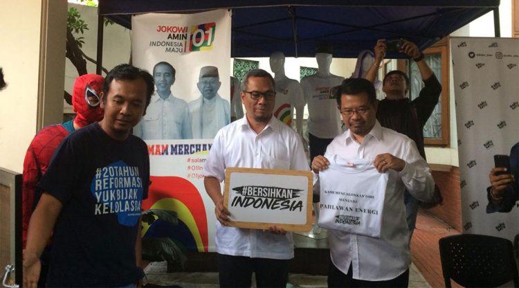 Aksi #BersihkanIndonesia ke TKN dan BPN